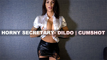 Maxie Rhoads Horny Secretary Video